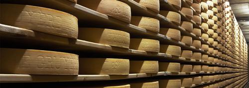 quesos con ojos o agujeros, queso gruyere