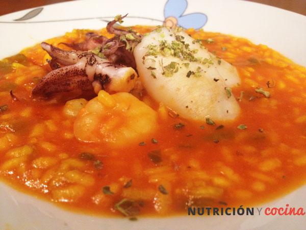 Arroz caldoso con chipirones y gambas, arroz meloso con marisco