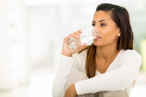 dieta para menopausia, importancia de la hidratación