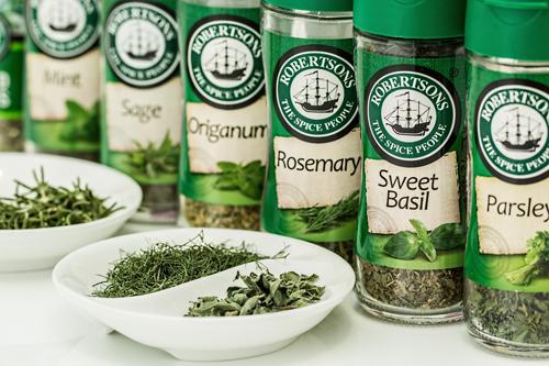 tipos y usos de hierbas aromáticas