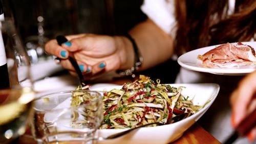Comer sano fuera de casa no es tan difícil