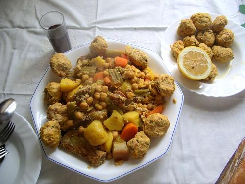 cocido con pelotas, guisos tradicionales de España