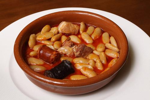 fabada asturiana, guisos tradicionales de España