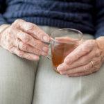 Deshidratación en ancianos: causas y prevención