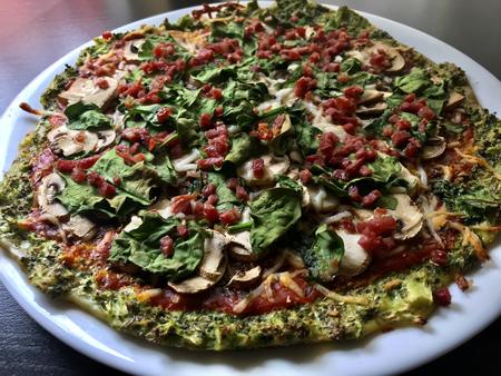 receta pizza con masa de brócoli
